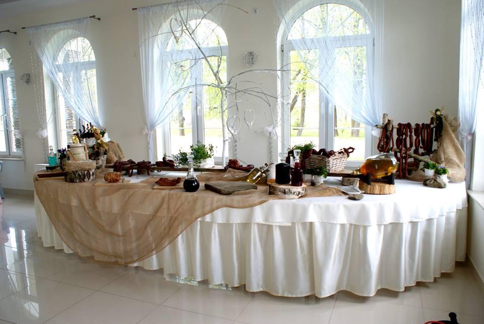 swojski stół na weselu